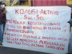puluhan-mahasiswa-yang-menamakan-diri-koalisi-aktivis-sulsel-berunjukrasa-672021.jpg