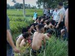 puluhan-remaja-digelandang-oleh-pihak-kepolisian-ke-kantor-satlantas-polres-bulukumba.jpg