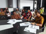rapat-forum-komunikasi-tanggung-jawab-sosial.jpg