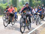 ratusan-pesepeda-mengikuti-kegiatan-sepeda-sehat-rangkaian-festival-danau-matano.jpg