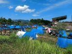 ratusan-tenda-tenda-pengungsian-warga-di-halaman-stadion-manakarra-mamuju-32021.jpg
