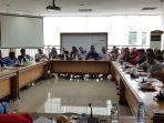 rdp-gtt-ptt-di-ruangan-komisi-iv-dprs-sulawesi-barat-dipimpin.jpg