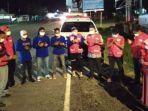 relawan-pmi-luwu-utara-berdoa-sebelum-berangkat-ke-sulbar-membawa-sembako.jpg