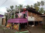 rumah-warga-di-kabupaten-wajo-yang-rusak-akibat-angin-kencang-minggu-512020-lalu.jpg