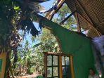 rumah-warga-terdampak-angin-kencang-di-dusun-bontolohe-desa-bua-kecamatan-tellulimpoe.jpg