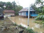rumah-warga-terendam-banjir-di-kelurahan-lancirang-kecamatan-pitu-riawa-sidrap.jpg