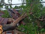 salah-satu-rumah-warga-di-dusun-uweya-desa-tarowang-kecamatan-galesong.jpg