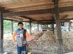 salah-seorang-petani-di-desa-basseang-kecamatan-lembang-kabupaten-pinrang.jpg