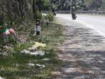 sampah-bertebaran-di-tepi-badan-jalan-di-pakkita-jl-poros-nasional-sinjai-bulukumba.jpg