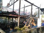 satu-rumah-warga-di-barru-hangus-dilalap-api-senin-542021.jpg