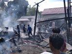 satu-unit-rumah-panggung-ludes-terbakar-di-kabupaten-bone-sabtu-7112020.jpg