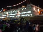 sebanyak-100-ton-bantuan-logistik-dikirim-lewat-pelabuhan-nusantara_20181007_115144.jpg