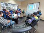 sejumlah-panitia-fun-touring-melakukan-meeting-bersama-di-kantor-pt-suracojaya.jpg