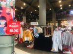 sejumlah-tenant-fesyen-di-nipah-mall-makassar-sabtu-1612021.jpg