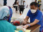 sekitar-100-orang-ikut-donor-darah-imb-foundation-bertajuk-together-we-can-save-a-live.jpg