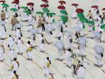 sekitar-10000-jemaah-jaji-mulai-melakukan-tawaf-mengelilingi-kabah-di-masjidil-haram.jpg