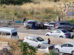 seorang-pengemudi-palestina-menabrakkan-mobil.jpg