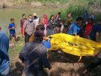 seorang-perempuan-usia-70-tahun-ditemukan-mengapung-di-sungai-di-kelurahan-benteng.jpg