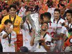 sevilla-merayakan-gelar-juara-liga-europa-2019-2020-2282020.jpg