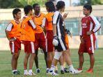 striker-psm-makassar-musim-2008-julio-lopez-bersama-rekan-rekan-setimnya.jpg