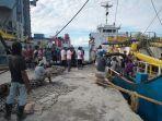 suasana-di-pelabuhan-donggala-sulawesi-tengah-v.jpg