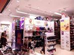 suasana-gerai-payless-di-nipah-mall-makassar-sabtu-1552021.jpg