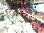 suasana-kios-ibu-aisyah-di-pasar-palakka-kelurahan-bulu-tempe-minggu-1112020.jpg