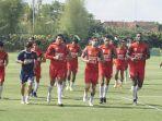 suasana-latihan-psm-di-lapangan-sepak-bola-yis-yogyakarta-independent-school-selasa-26112019.jpg