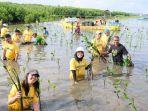suasana-penanaman-1000-bibit-mangrove-jasa-raharja.jpg