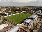 suasana-proses-renovasi-stadion-kalegowa-di-jalan-poros-pallangga-2.jpg