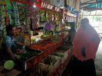 suasana-stand-milik-pak-alim-di-pasar-mattirowalie-kabupaten-barru-senin-1052021.jpg