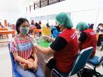 suasana-vaksinasi-covid-19-pelajar-di-aula-sma-1-tana-toraja-selasa-2482021.jpg