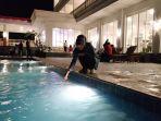 tamu-same-resort-bira-beach-bulukumba-sedang-bermain-air_20180730_104420.jpg