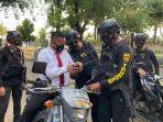 tandianus-tappi-30-pegawai-kafe-mengaku-polisi-ditangka-tim-thunder-polda-sulsel.jpg