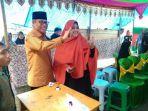 taufan-pawe-mencoblos-di-tps-01-kelurahan-lapadde_20180627_104438.jpg