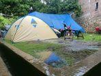 tenda-darurat-warga-di-mamuju-sulbar-diguyur-hujan-pagi-ini-selasa-222021.jpg