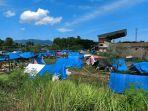 tenda-tenda-pengungsi-di-stadion-manakarra-mamuju-1820201.jpg