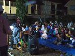 tim-dinas-perpustakaan-dan-kearsipan-provinsi-sulawesi-selatan-berbagi-keceriaan.jpg