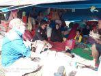 tim-medis-rsud-batara-siang-pangkep-melakukan-pemeriksaan-pengungsi-korban-banjir.jpg