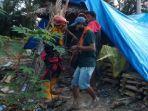 tim-rescue-pkd-mapala-sulsel-bantu-korban-banjir-di-luwu-utara.jpg