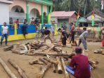 tradisi-mikayu-masyarakat-desa-tallambalao-majene-1182020.jpg