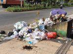 tumpukan-sampah-di-jl-durian-kelurahan-lagaligo-kecamatan-wara-palopo.jpg