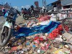 tumpukan-sampah-yang-sudah-membusuk-di-depan-pasar-allu-bangkala-jeneponto.jpg