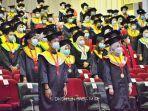 unhas-menggelar-wisuda-bagi-446-mahasiswa-lulusan-baru-kamis-652021.jpg