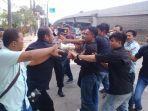 unjuk-rasa-mahasiswa-di-depan-kantor-kejati-sulselbar-senin-25032019.jpg