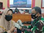 vaksinasi-yang-dilakukan-oleh-koopsau-ii-yang-menyasar-karyawan-pt-semen-tonasa.jpg