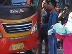 video-viral-seorang-perempuan-melahirkan-dalam-bus.jpg
