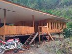 villa-emas-latimojong-dimanfaatkan-sebagai-tempat-istirahat-bagi-para-wisatawan.jpg