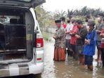 viral-pemakaman-pasien-covid-19-di-pekalongan-di-tengah-banjir.jpg