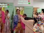 viral-wanita-ulang-tahun-terima-kado-patung-harry-styles-dirayakan-hingga-dinikahkan.jpg